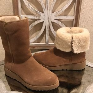 UGG AMY BOOt CHESTNUT SZ 9 GREAT COND BARElY WORN